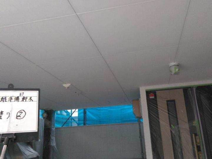 車庫天井塗装(上塗り)