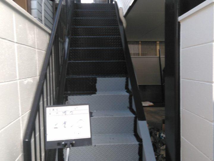 外階段塗装(上塗り)