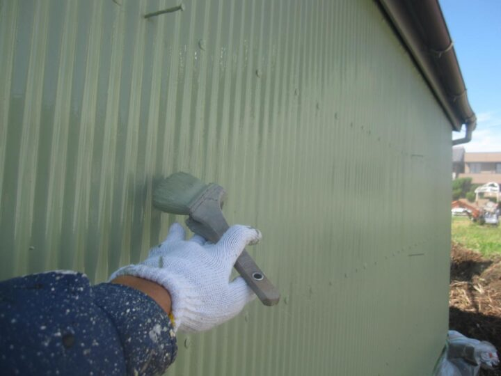 倉庫塗装(上塗り2回目)