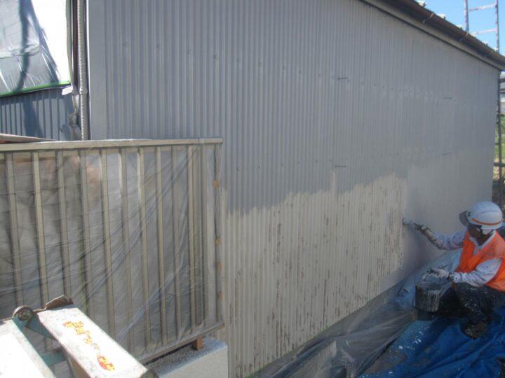 倉庫塗装(下塗り)