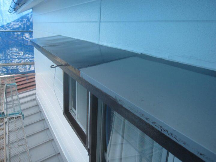 庇天板塗装(下塗り)